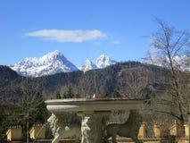 Bella iarda della corte del castello di Hohenschwangau Fotografia Stock Libera da Diritti