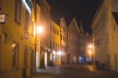 Bella immagine del centro multicolore vibrante della via in Fussen, Baviera, Baviera, Germania Fotografia Stock