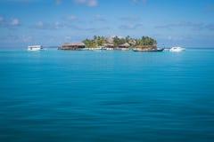 Bella isola in Maldive Immagini Stock Libere da Diritti