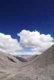Bella La glaciale di Khardung delle valli e delle montagne (passaggio), Ladakh Immagine Stock