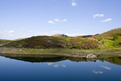 Bella laguna con cielo blu Fotografie Stock Libere da Diritti