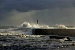 Bella luce prima di pioggia in mare fotografia stock libera da diritti