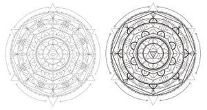 Bella mandala della geometria con gli elementi ripetuti per il libro da colorare e la vostra progettazione Fotografia Stock