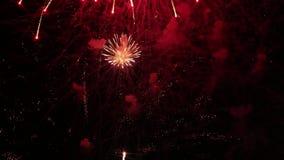 Bella manifestazione dei fuochi d'artificio archivi video