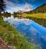 Bella mattina sul lago Antorno, alpi dell'Italia, Tre Cime Di Lavar Immagini Stock