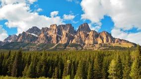 Bella montagna del castello nel Canada Immagine Stock