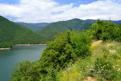 Bella natura del lago della montagna immagini stock