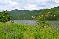 Bella natura del lago della montagna fotografia stock libera da diritti