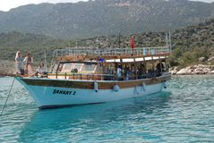 Bella nave di navigazione nel mar Mediterraneo in tacchino fotografia stock libera da diritti