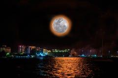 Bella notte alla città di Labuan Immagini Stock Libere da Diritti