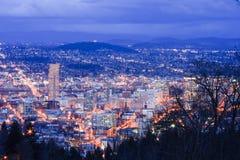 Bella notte Vista di Portland, Oregon immagine stock