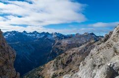 Bella panoramica sopra le sommità delle montagne di Allgau Immagini Stock Libere da Diritti