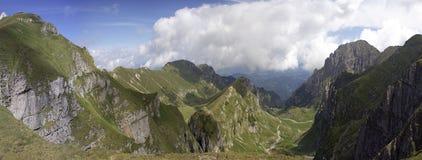 Bella parte una di vista della valle (dalla parte superiore) Immagini Stock