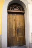 Bella porta d'annata, vecchio di legno, oggetti d'antiquariato Fotografia Stock