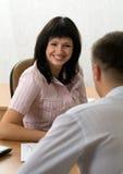 Bella ragazza ad un'intervista di job Immagini Stock Libere da Diritti