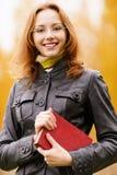 Bella ragazza in autunno Fotografia Stock