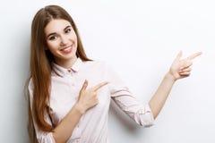 Bella ragazza che mostra le emozioni immagine stock libera da diritti