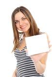 Bella ragazza che tiene scheda bianca vuota Fotografia Stock Libera da Diritti