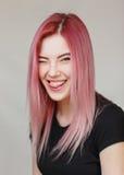Bella ragazza con capelli dentellare Fotografie Stock Libere da Diritti