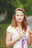 Bella ragazza con i nastri Fotografie Stock Libere da Diritti