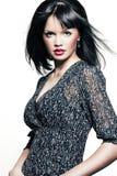 Bella ragazza con il rossetto perfetto di colore rosso e della pelle Fotografie Stock