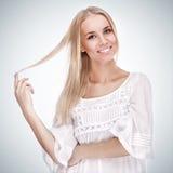Bella ragazza con il sorriso grazioso Fotografia Stock Libera da Diritti