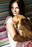 Bella ragazza ed il suo animale domestico Fotografie Stock Libere da Diritti