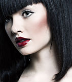 Bella ragazza con pelle perfetta, rossetto rosso Fotografie Stock