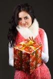 Bella ragazza con un regalo Immagini Stock Libere da Diritti