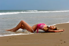 Bella ragazza del bikini immagine stock