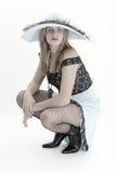Bella ragazza del salone con gli occhi azzurri luminosi nel retro stile di immagine immagine stock