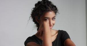 Bella ragazza marocchina con il video perfetto della pelle stock footage