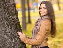 Bella ragazza nel parco Fotografia Stock Libera da Diritti
