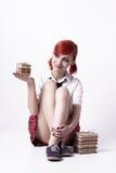 Bella ragazza nello stile di anime con le pile di libri fotografia stock libera da diritti