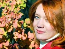 Bella ragazza rossa Fotografie Stock