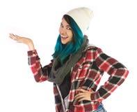 Bella ragazza sorridente che mostra qualcosa voi Immagine Stock Libera da Diritti