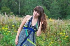 Bella ragazza sorridente dai capelli lunghi Fotografia Stock Libera da Diritti