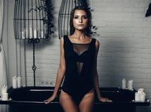Bella ragazza in stanza da bagno Fotografia Stock Libera da Diritti