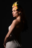 Bella ragazza in una corona Fotografie Stock Libere da Diritti
