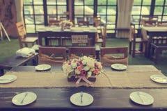 Bella regolazione della tavola per il partito di evento o la celebrazione di nozze Fotografie Stock Libere da Diritti