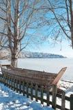 Bella scena della neve di inverno a Kastoria, Grecia fotografia stock