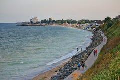 Bella scogliera lunga alla spiaggia di Costinesti, Costanza, Romania Fotografie Stock Libere da Diritti