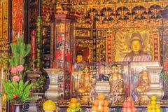 Bella scultura di Guanyin al tempio di Lungshan di Manka, Buddhi Fotografie Stock