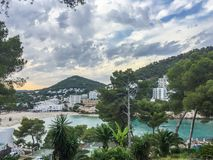 Bella sera di estate a Cala Llonga, Ibiza immagine stock libera da diritti