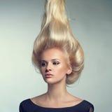 Bella signora con capelli biondi fotografie stock libere da diritti