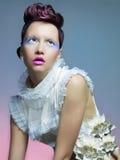 Bella signora in vestito bianco Immagine Stock