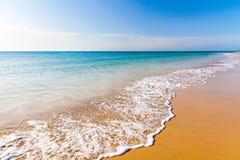 Bella spiaggia dell'oceano Fotografie Stock
