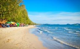 Bella spiaggia di Otres in Sihanoukville, Cambogia fotografia stock libera da diritti