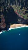Bella spiaggia a distanza immagine stock libera da diritti