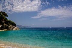 Bella spiaggia per una festa in Albania Mare ionico fotografie stock